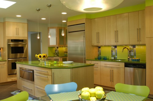 """Color in the kitchen continues! Great ideas to """"Reanimate"""" your kitchen with new life!"""