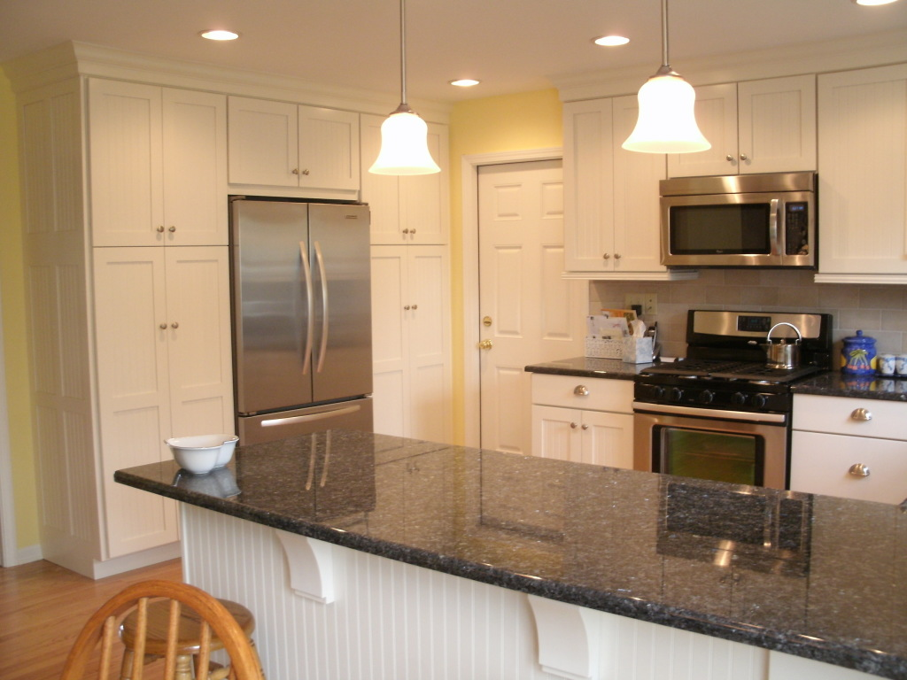 Current kitchen remodeling ideas transform this space!